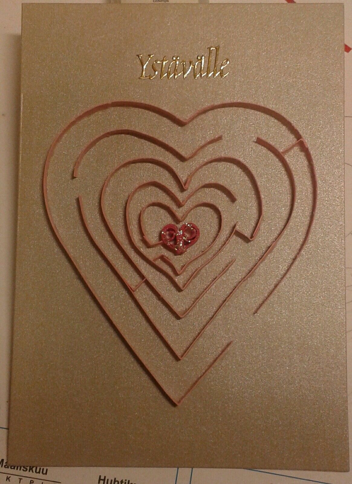 Valentines day card labyrinth to heart by quilling  Kortteja