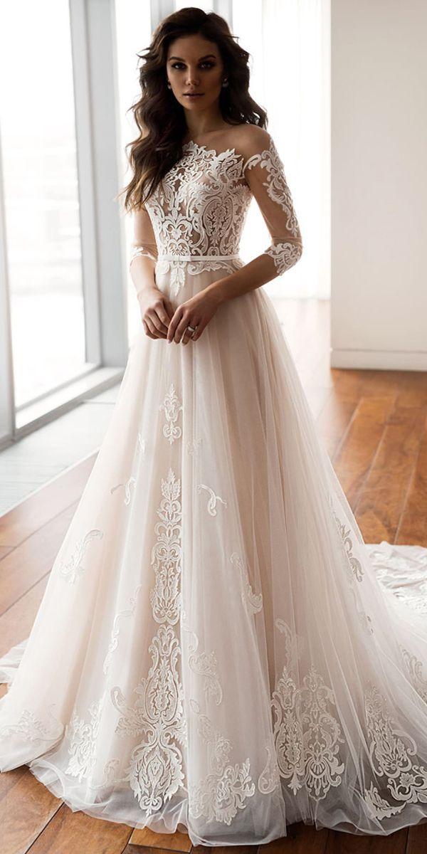 Robes de mariée en t-shirt éblouissantes avec un décolleté d'épaule et une ligne avec des applications de dentelle …   – Wedding