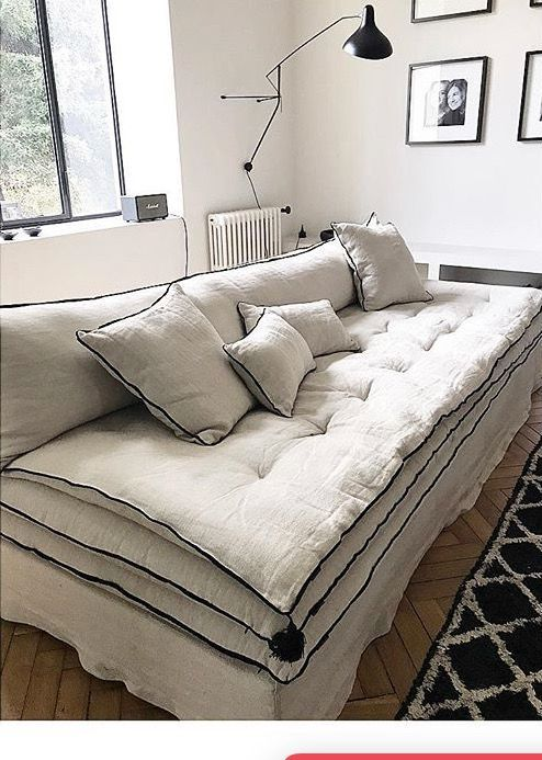 Customized couch mille et une nuit ivory beige crinkled Peindre interieur caravane