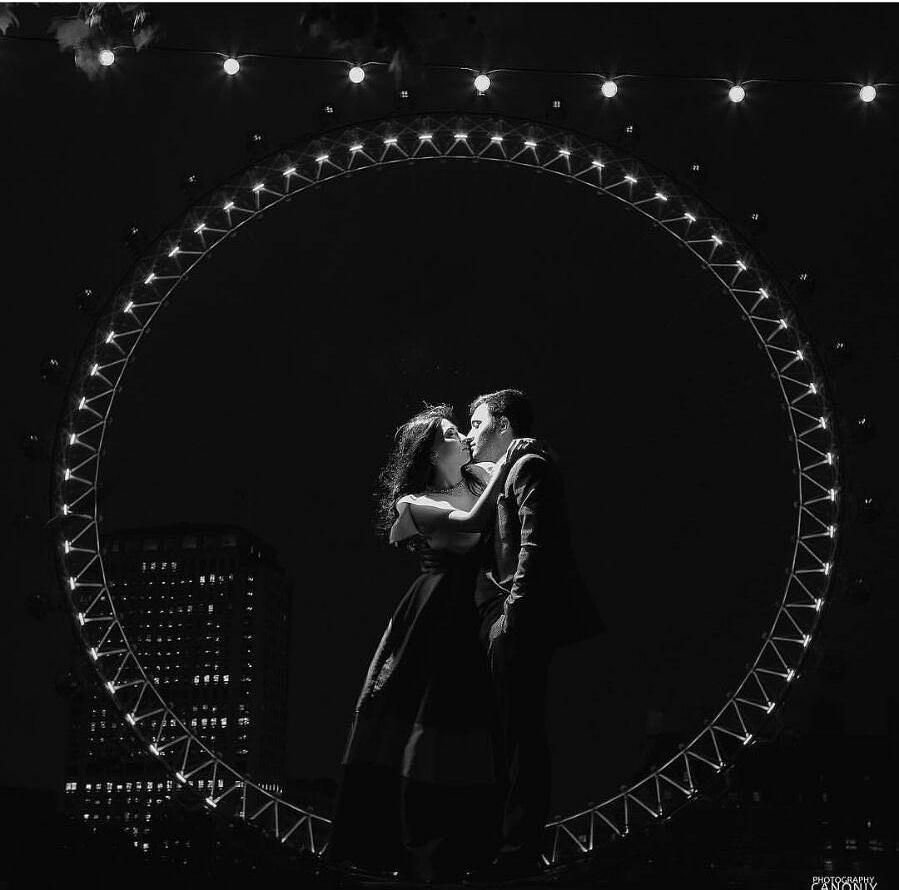 What can be even more romantic that having your engagement shoot in front of the magnificent London Eye landscape? We absolutely love this picture by @canoniy_photography that beautifully combines the picturesque nightview with the couple's affectionate gesture creating a captivating and heartfelt frame that left us in awe! Altogether with the black and white tone this picture is utterly romantic don't you think? Who's inspired? Hands up! by weddingdream on Instagram