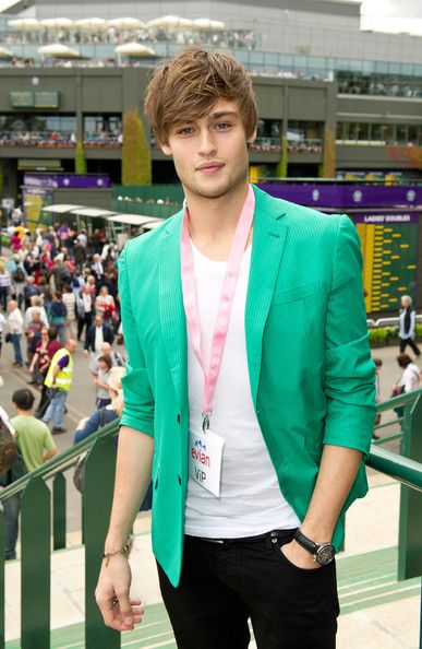 Douglas Booth. Beautiful
