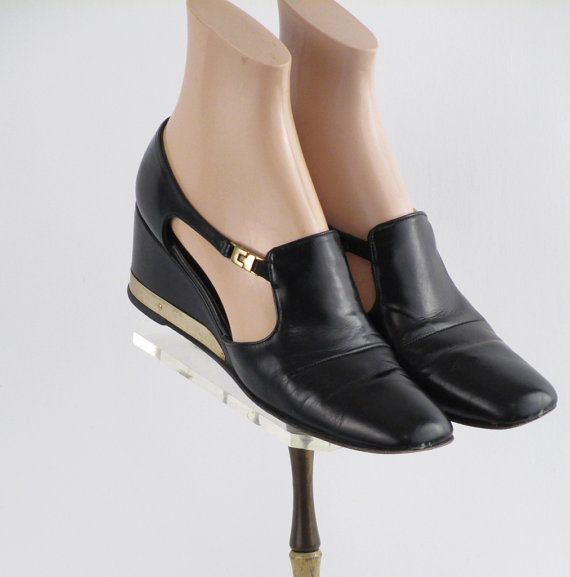 Vintage 1980s Black Wedge Heel Shoes by Barefoot Originals - Box - Sz 9S