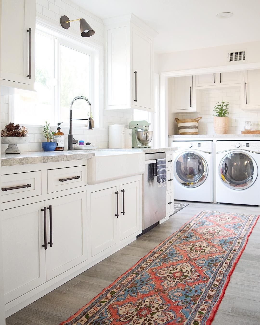 Pin By Kate Martinie On Dream Home Luxury Kitchens Cool Kitchens Laundry Room Decor