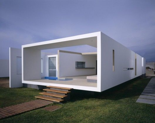 House In Las Arenas Javier Artadi Beach House Design Architecture House Modern Beach House