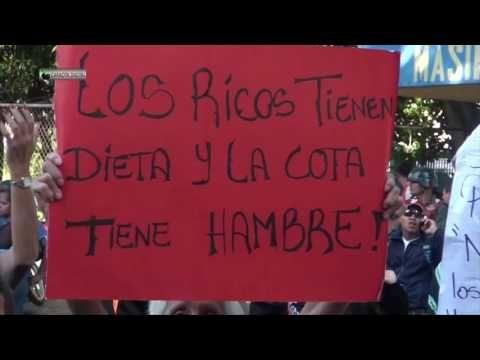"""¡NO TE LO PIERDAS! El """"mensajito"""" que le dejó esta abuela a Maduro por los Clap (+Video) - http://wp.me/p7GFvM-cUa"""