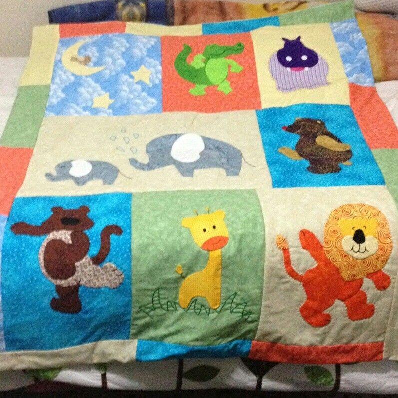 Colcha para cama de bebe elaborada en parchwork - Colchas patchwork infantiles ...