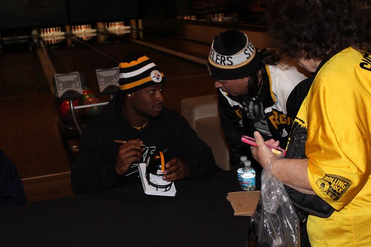 "0 Le'Veon Bell Public Signing 11-28-14 #PittsburghSteelers #Le'VeonBellsigning ""totalsportsenterprises http://www.tseshop.com/?AffId=63"
