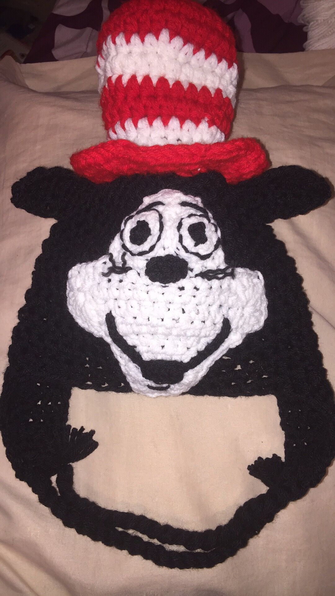 The Cat in the Hat inspired crochet hat. | Crochet patterns | Pinterest