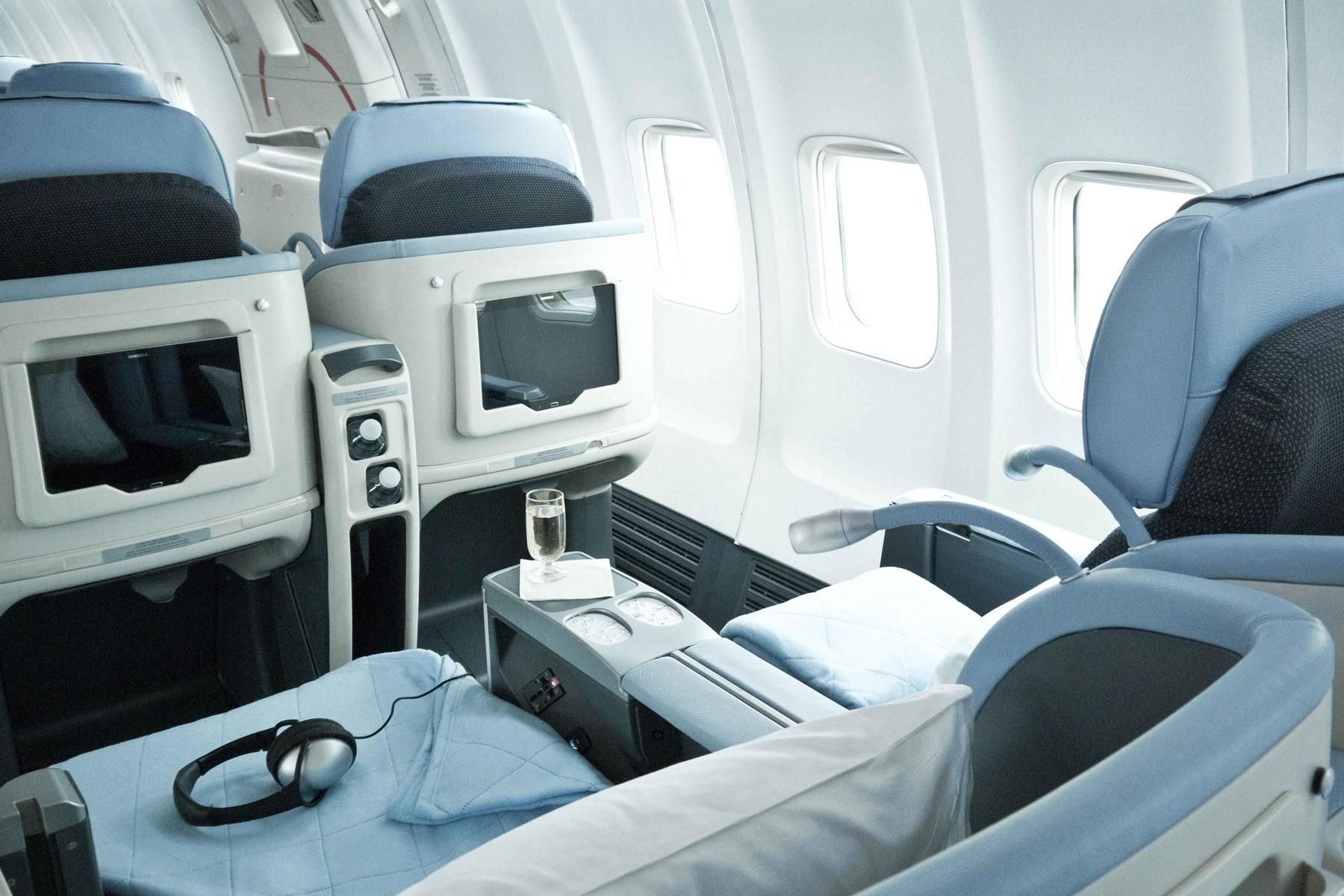 how to fly business class to europe for the cost of an economy rh pinterest com