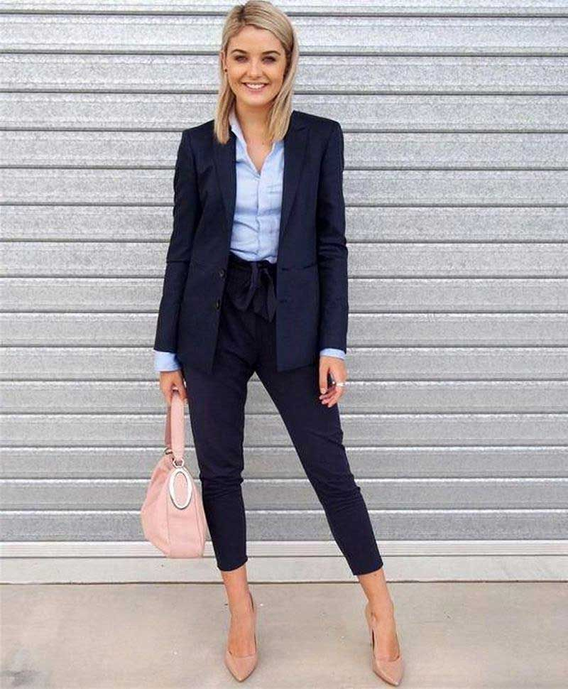 30 Professional Business Attire for Young Women 41