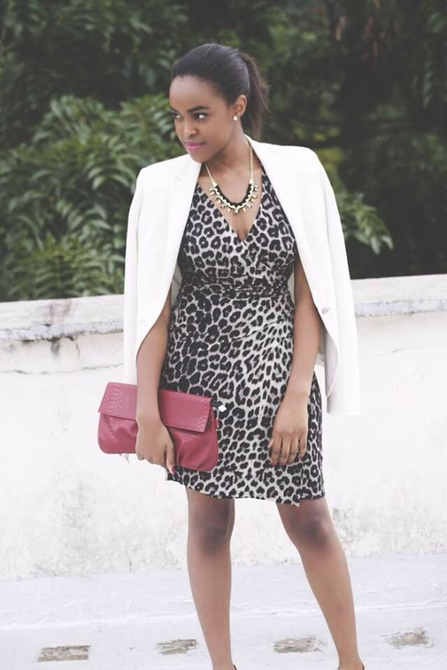 Black and white print dress accessories