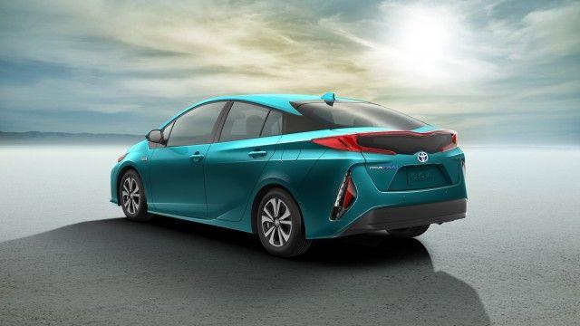 2017 Toyota Prius Prime Plug In Hybrid Promises 22 Miles Electric