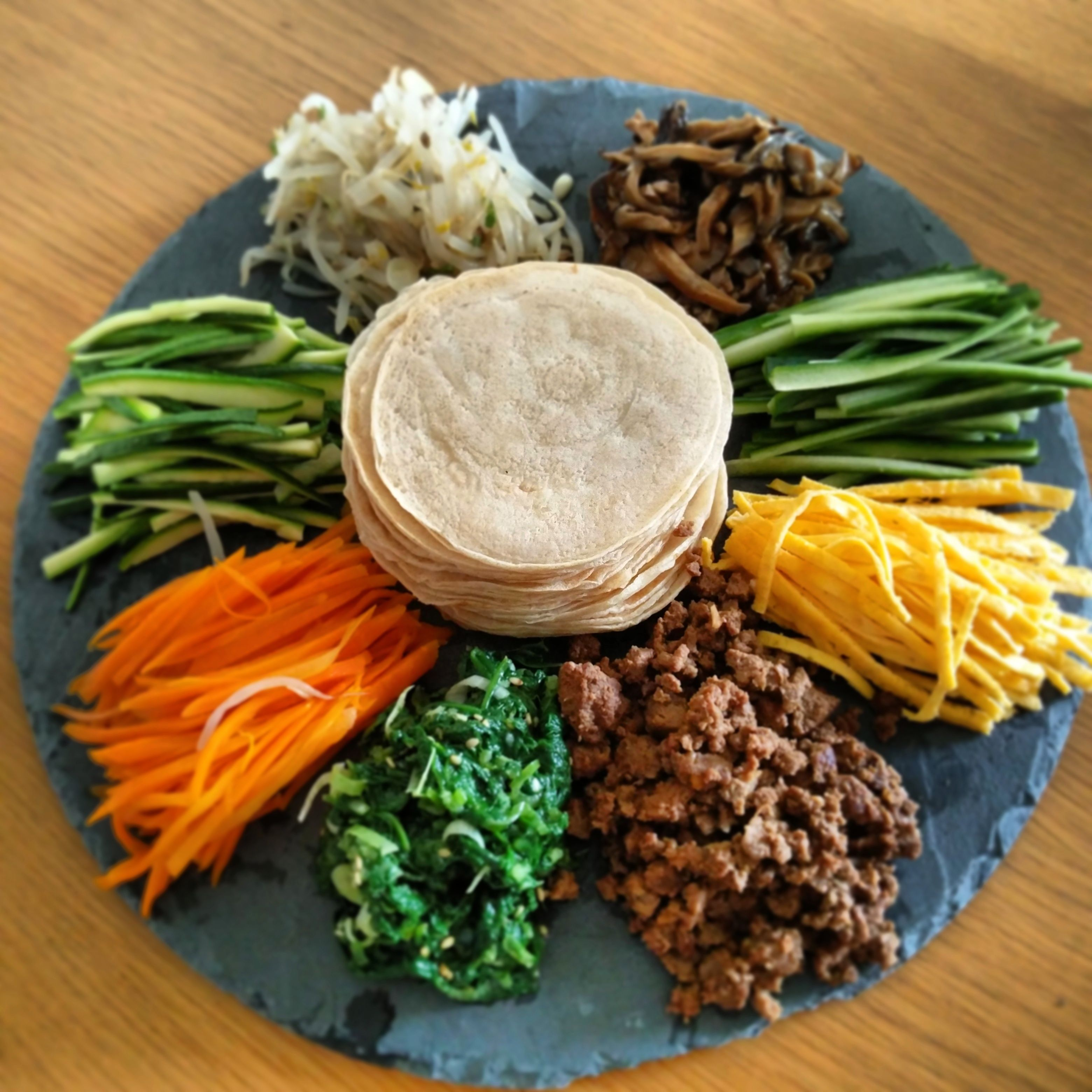 Gujeolpan Platter Of 9 Delicacies 구절판 Recipe Maangchi Recipes Recipes Picky Eater Recipes