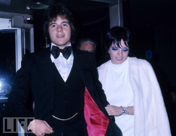 Liza Minnelli and fiancee Desi Arnaz, Jr. Liza Minnelli and fiancee Desi Arnaz, Jr. Though the lived together for eighteen months and were engaged briefly during that time, the Minnelli/Arnaz union was not to be. Others think that Liza, spending so much time on the road doing concerts, ruined it.  The fact that on one of those concert dates in London she conducted a wild month long affair with Peter Sellers probably didn't help.