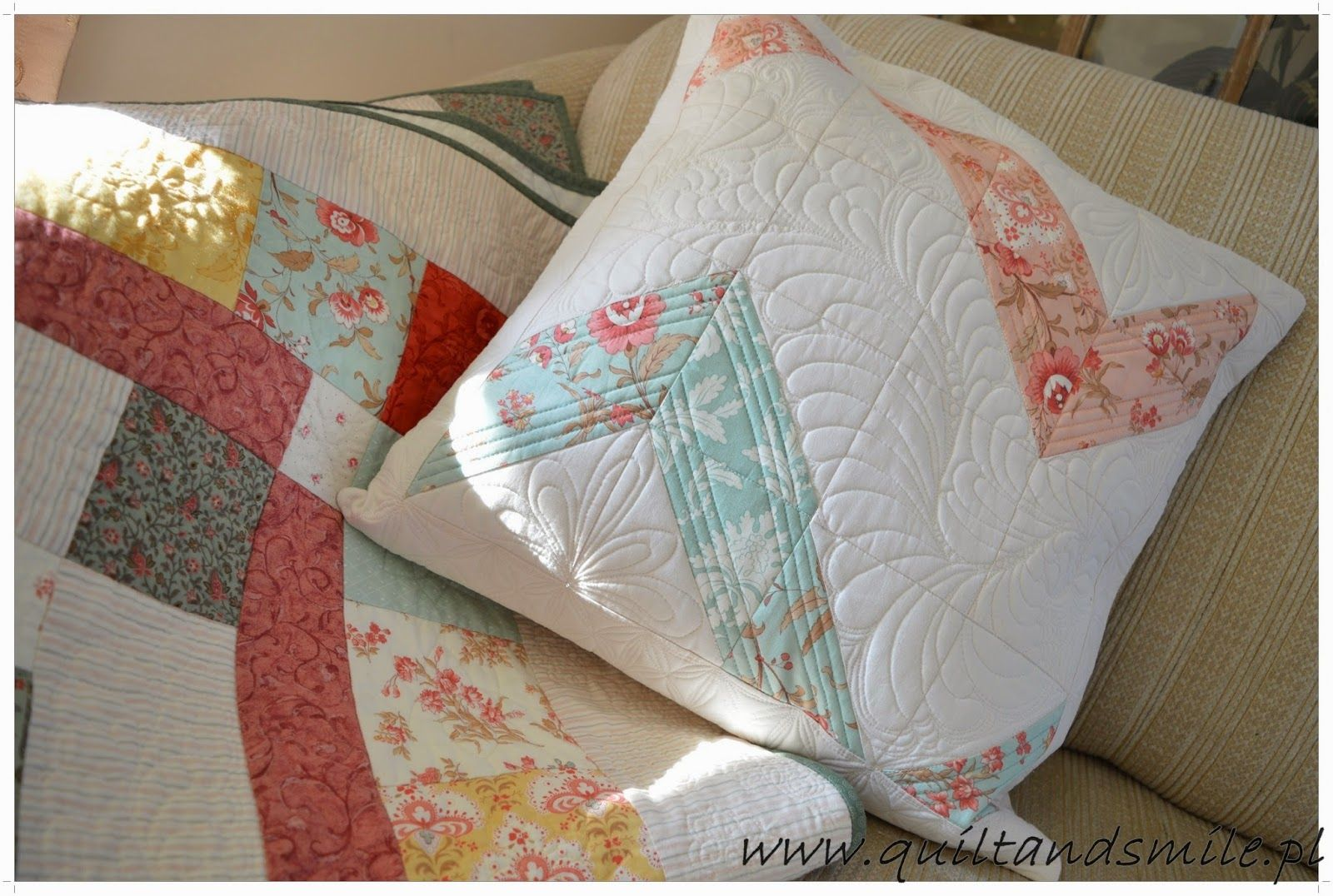 Quilt and Smile: Freecom is at Darlene Motion Challenge - February