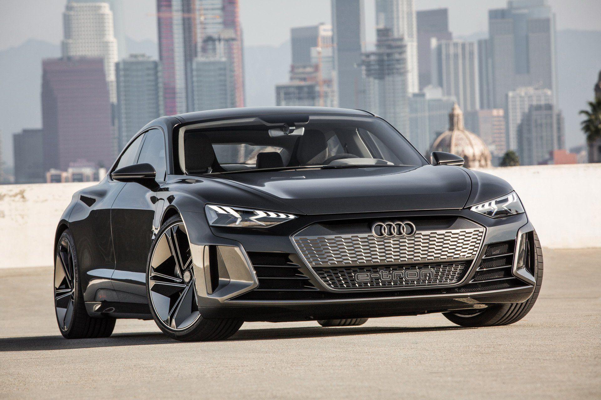 Audi E Tron Gt Is An Electrifying Super Sedan That S Coming In 2020 Carscoops Audi E Tron Audi E Tron