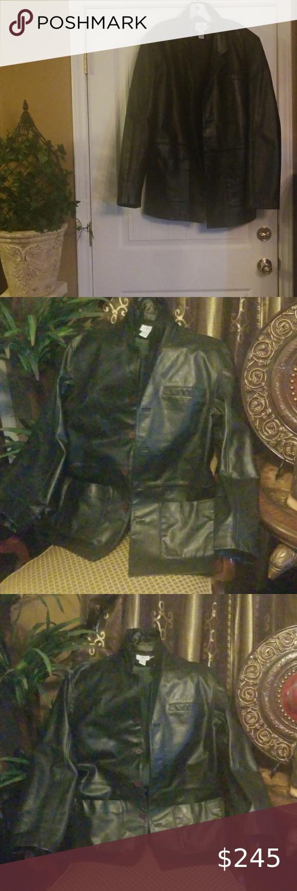 CALVIN KLEI JEANS Elegant leather jacket for men. Size is