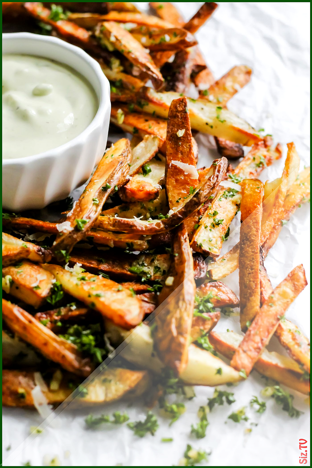 Baked Garlic Herb Fries with Avocado Ranch Baked Garlic Herb Fries with Avocado Ranch Paul pollieve