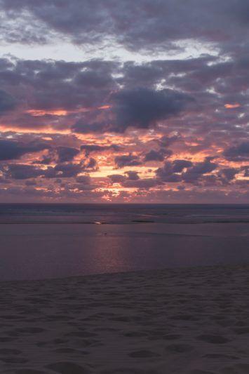 La Gironde A Velo Sur La Velodyssee Dune Du Pilat Cap Ferret Et Surf En 2020 Avec Images Photo Coucher De Soleil Paysage Coucher De Soleil Coucher De Soleil