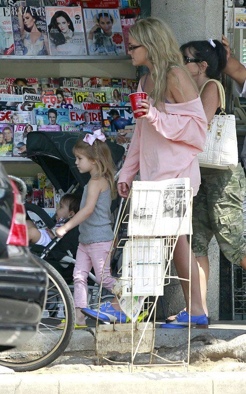 Jamie Lynn Spears Candids in West Hollywood (With images