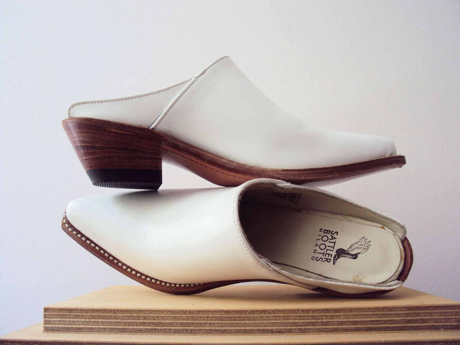 c86ea8d400fcd White Western Leather Mules Cuban Heel Ankle Boot Clogs Slip Ons Vintage  90s.  75.00