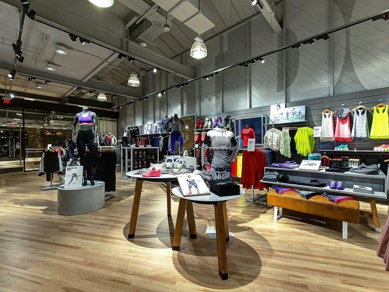 nike store fashion island