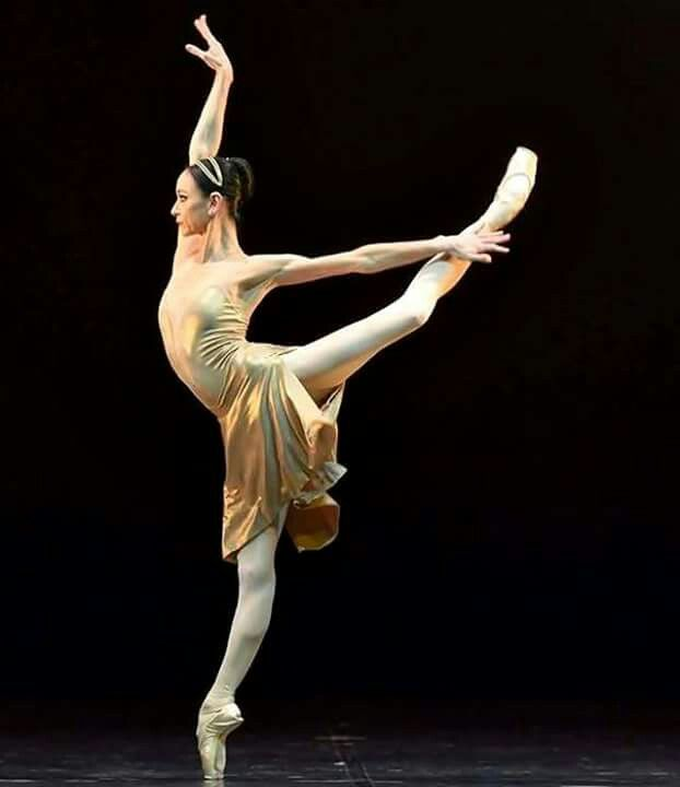 << Lucia Lacarra(born 24 March 1975) is a Spanishballet dancerwho has been a principalwith theBayerisches Staatsballett(Bavarian State Opera Ballet) since 2002>>