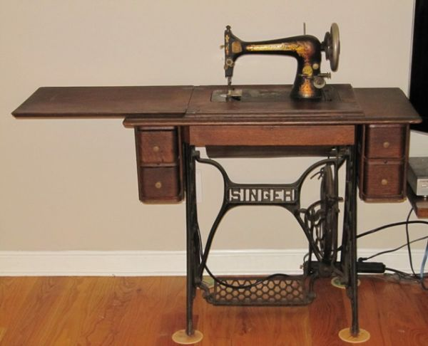 Identifying vintage sewing machines antique sewing machines you identifying vintage sewing machines sciox Choice Image