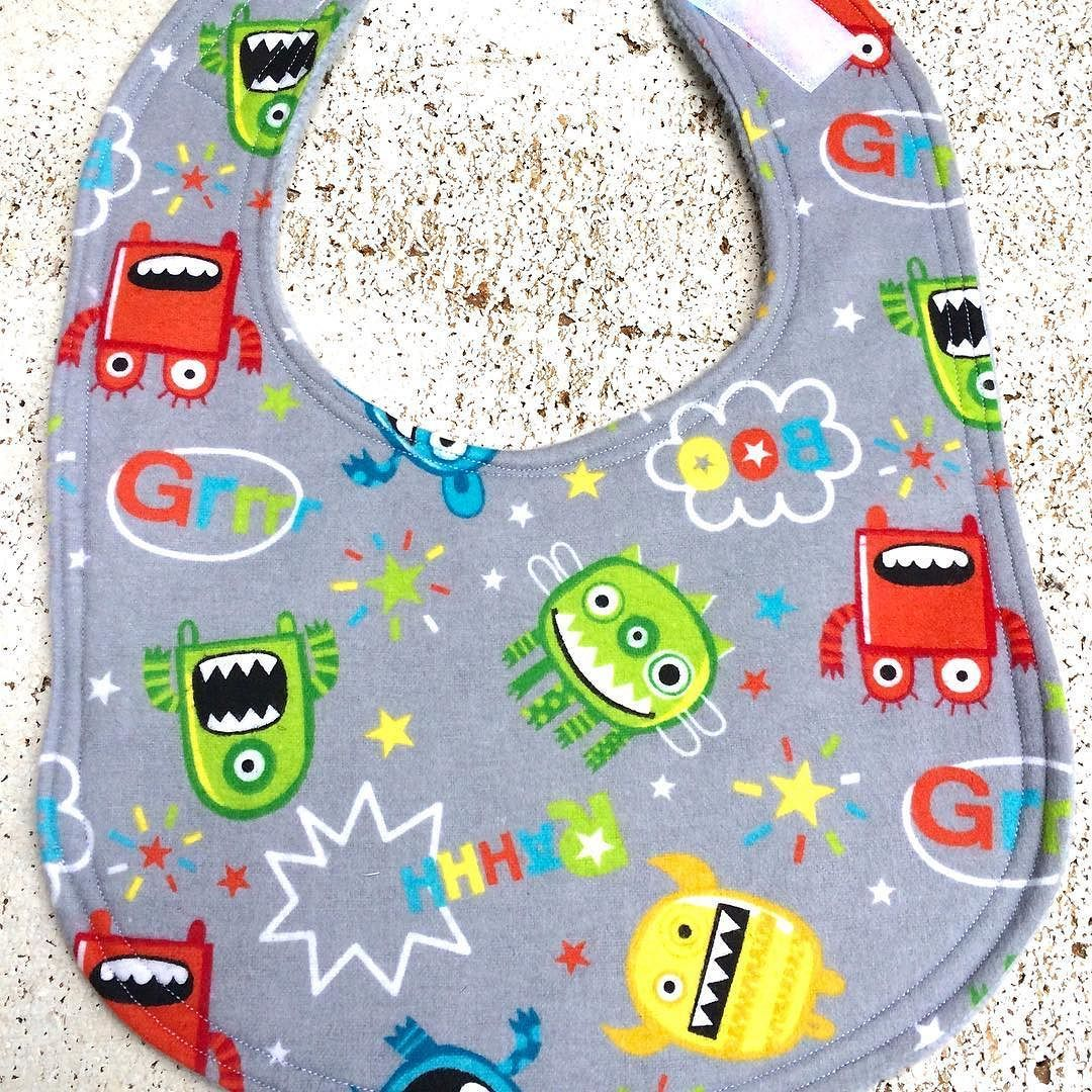 Space alien monster baby bib #etsy #etsyshop #etsyseller #handmade #baby #babybib #bib #monster by blackrosebabyshop