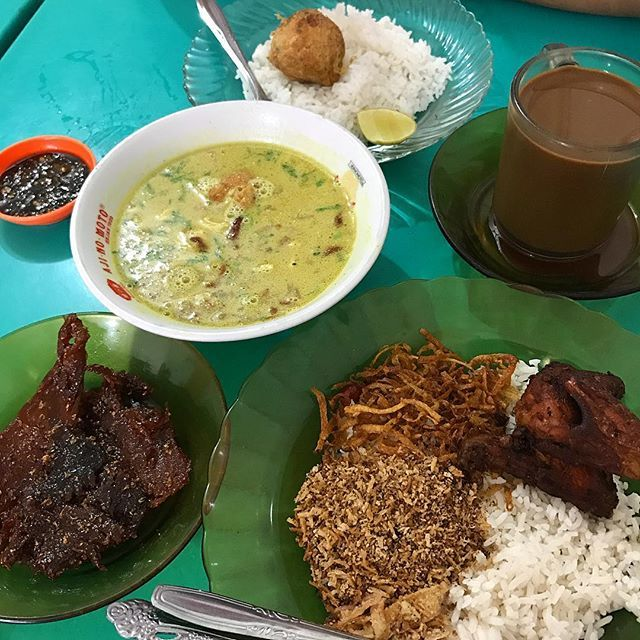 "Nusa indah in the morning ,, yg wajib dendengnya tuhhh plus serondeng byk"" #yummy#food #foodporn #instagood #instalike #likeforlike #like4like #tagsforlikes #kulinermedan #makanmana #medan #medanreview #photooftheday  #igers #picoftheday #nomnom  Yummery - best recipes. Follow Us! #foodporn"