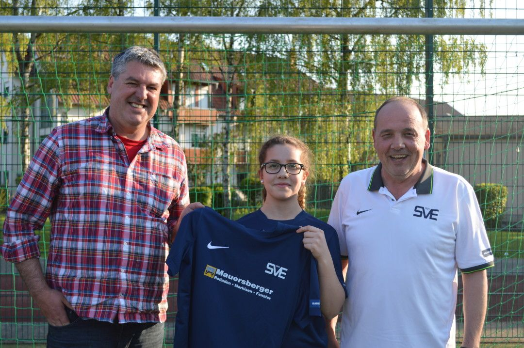 Sportf Rderung Fu Ball Wiesbaden Trikots F R