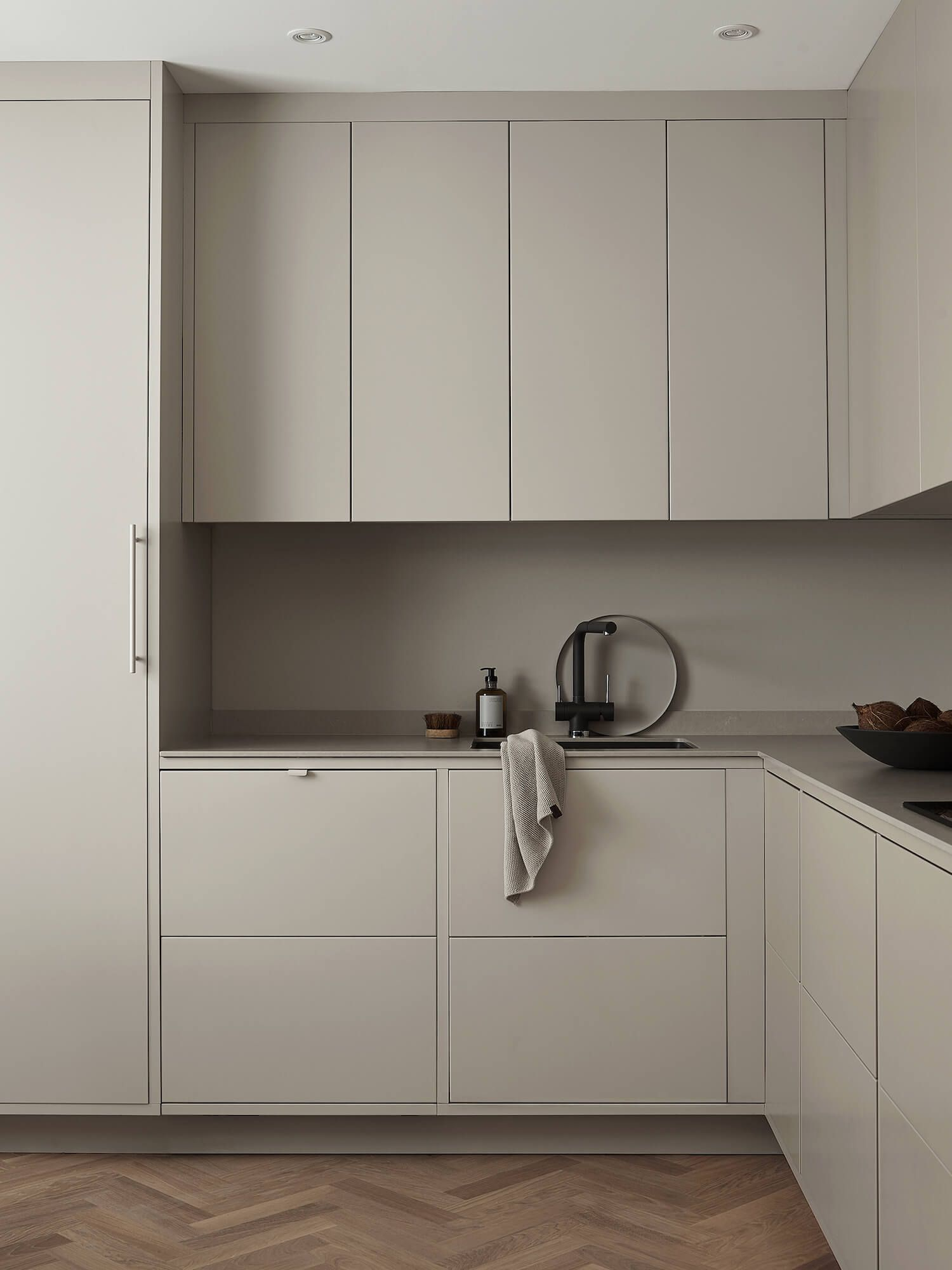 Kitchen | The Minimalist's Kitchen by Nordiska Kök | est living #minimalistkitchen