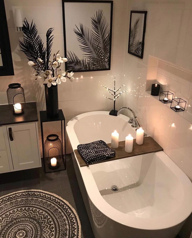 Top Image Bathroom Quirky Decor