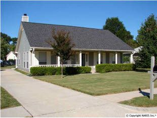 One owner, 3 BR, 2 full BA home in South Huntsville in IMPECCABLE condition! For $133,000!