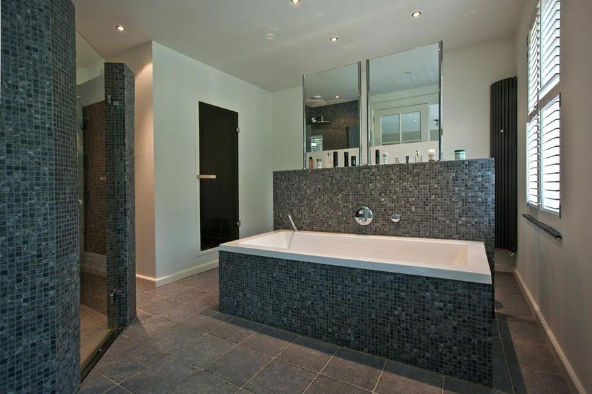 Villabouw, badkamer met ligbad - badkamer | Pinterest - Badkamer ...