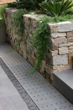 Eco Outdoor   Alpine Dry Stone Retaining Wall.
