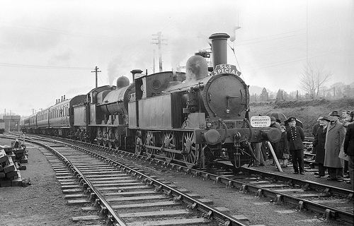 49121 and 58926 last train from Abergavenny to Merthyr at … | Flickr