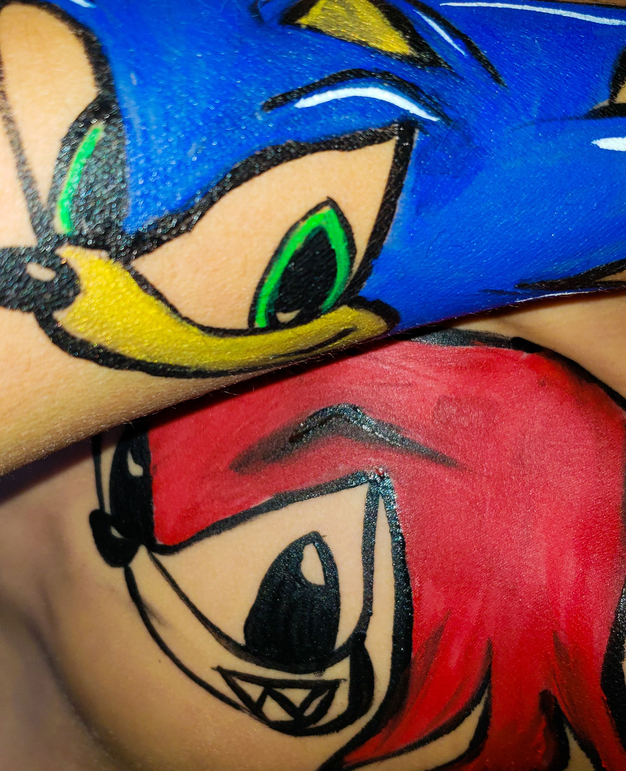 Facepainting of Sonic and Knuckles using