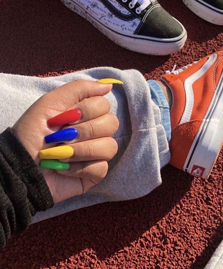 P I N T E R E S T P E L I N C A L I S K A N 90s Nails Blue Nails Yellow Nails