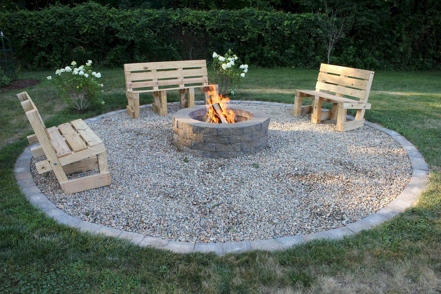 Photo of 12 Easy and Cheap Fire Pit and Backyard Landscaping Ideas – spaciroom.com