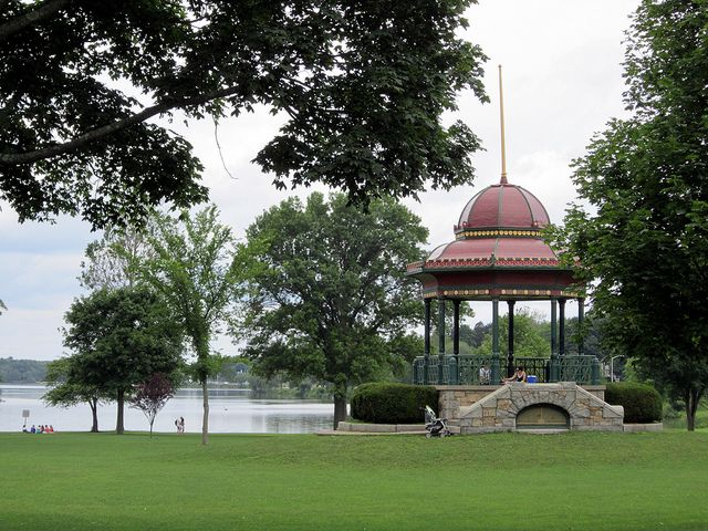 Wakefield Bandstand by Elizabeth Thomsen, via Flickr