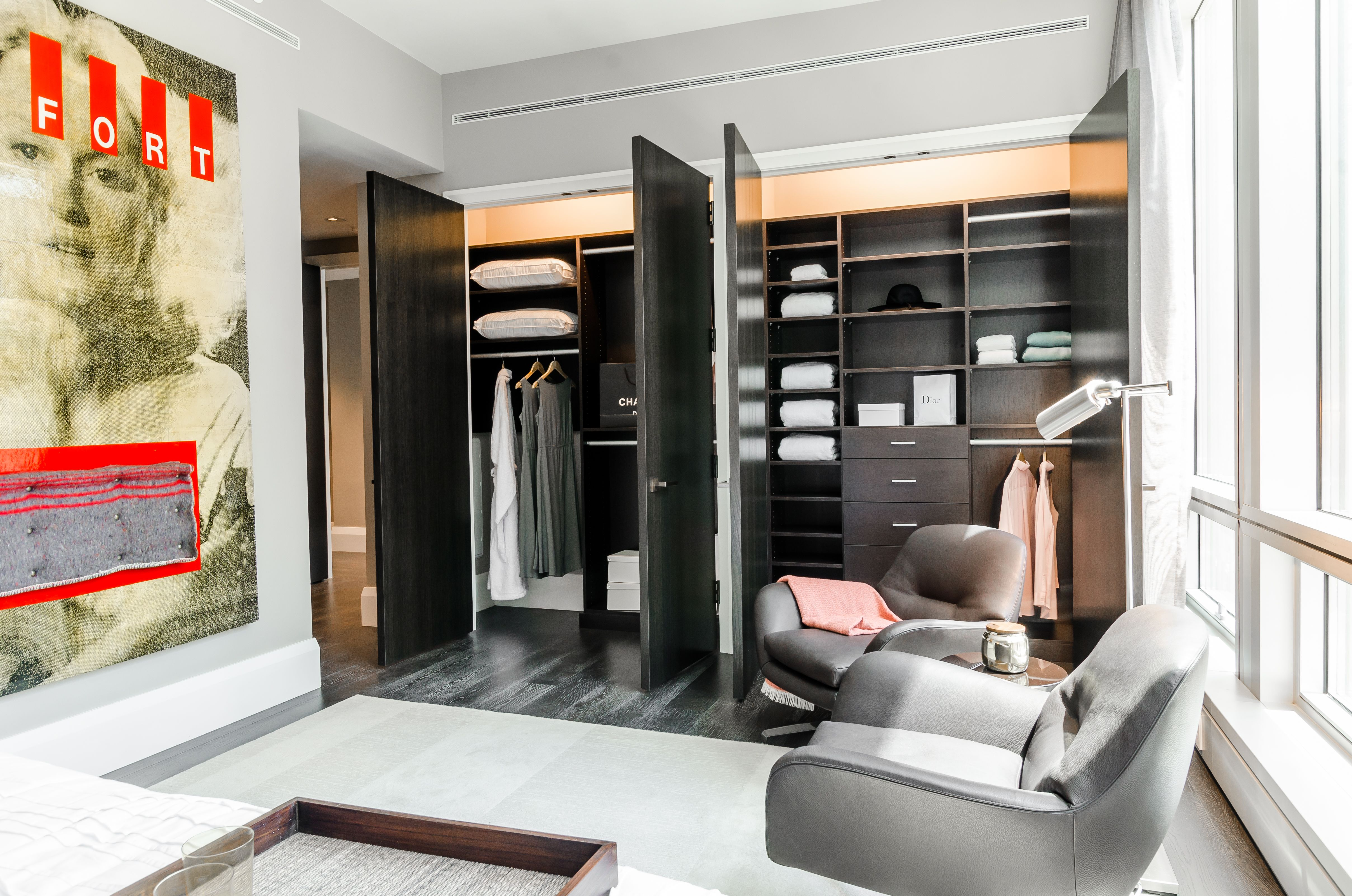 Ordinaire This Madison Avenue Walk In Closet Was Designed By Stacy Skolsky U0026 Katie  Hodgson,. California ...