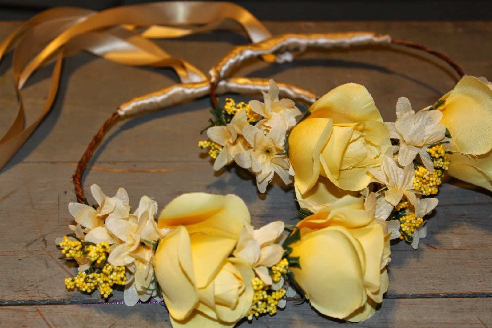 Rawther unusual flower crowns diy flowers pinterest unusual rawther unusual flower crowns diy izmirmasajfo Images