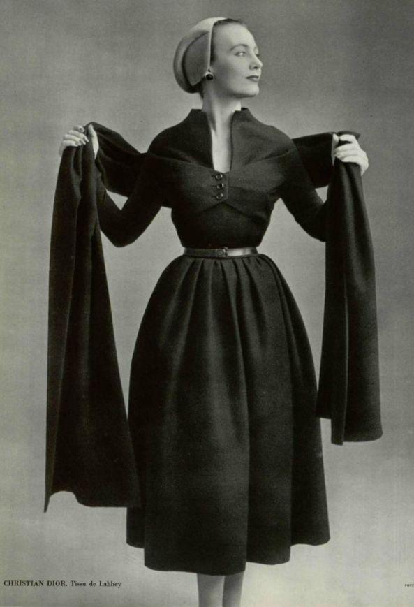 1951 - Christian Dior  Ovale  line  d4c2856ee59