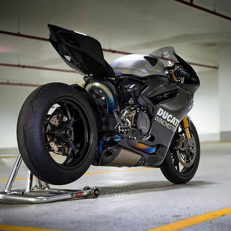 Motorcycle Exhaustsystem Tire Sportbike Custom Motorcycle