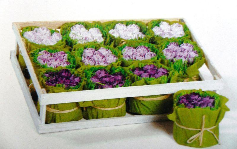Plateau fleurs papier crépon mauve bricolage maison Pinterest
