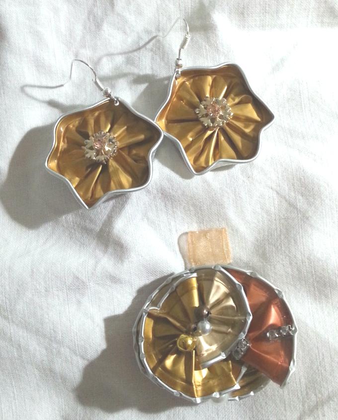 Top Parure dorata con orecchini a stella - fatta con capsule Nespresso  JO55