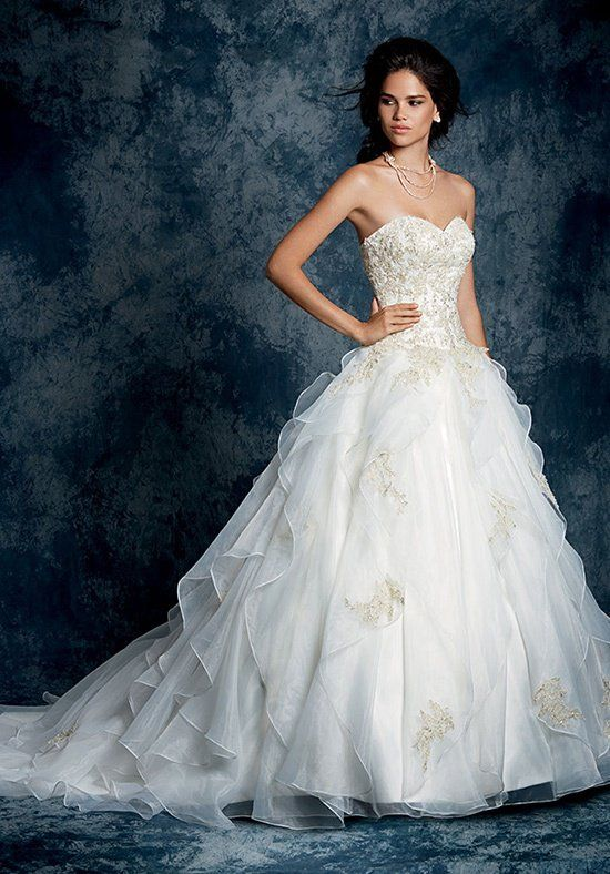 125857cc128 Alfred Angelo Sapphire 899 Wedding Dress - The Knot