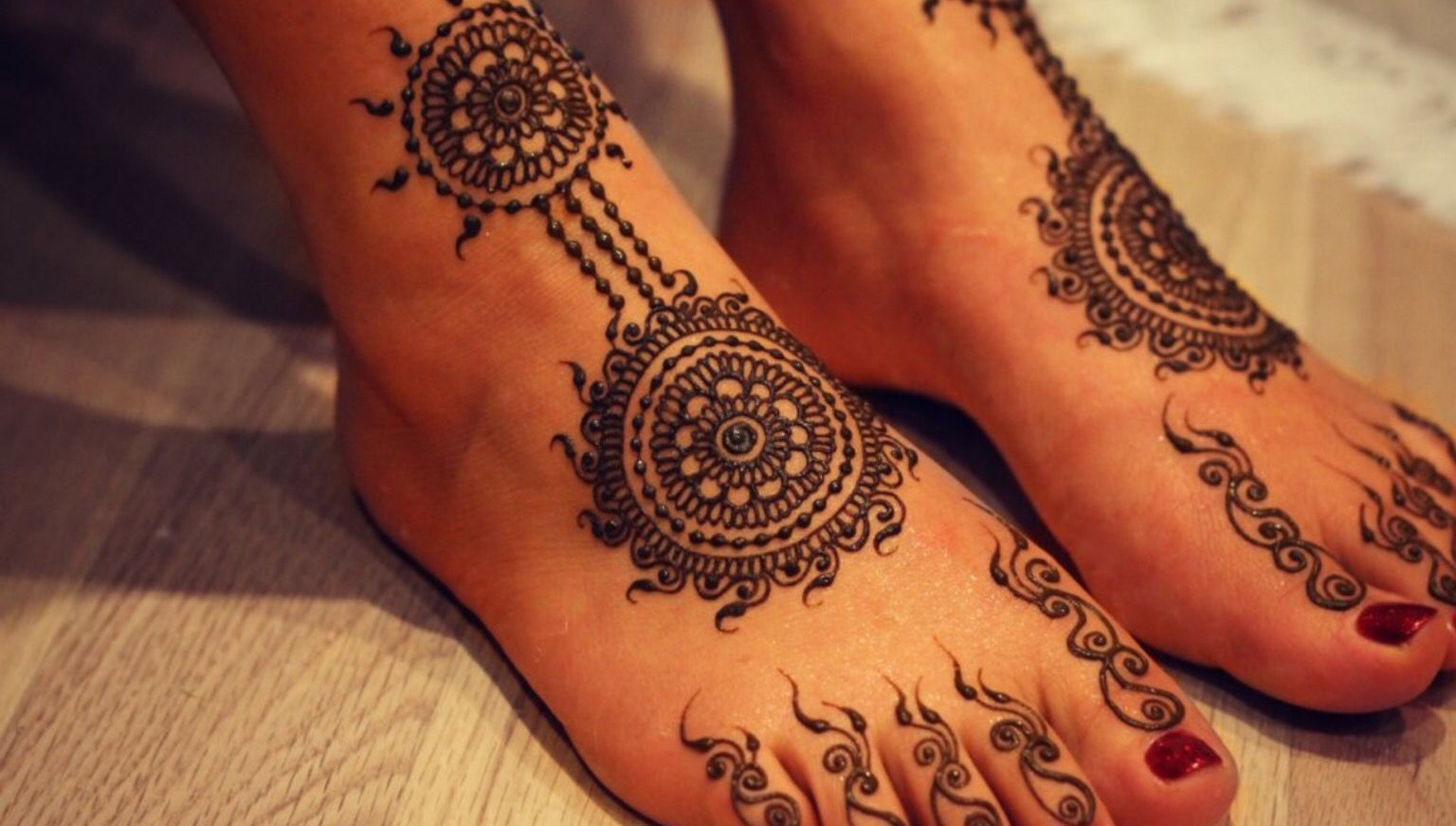 Mehndi Ankle Images : Henna design on toes foot and ankle pinterest hennas