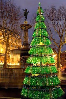RI-PET: L'albero di Natale più giusto è in PET.